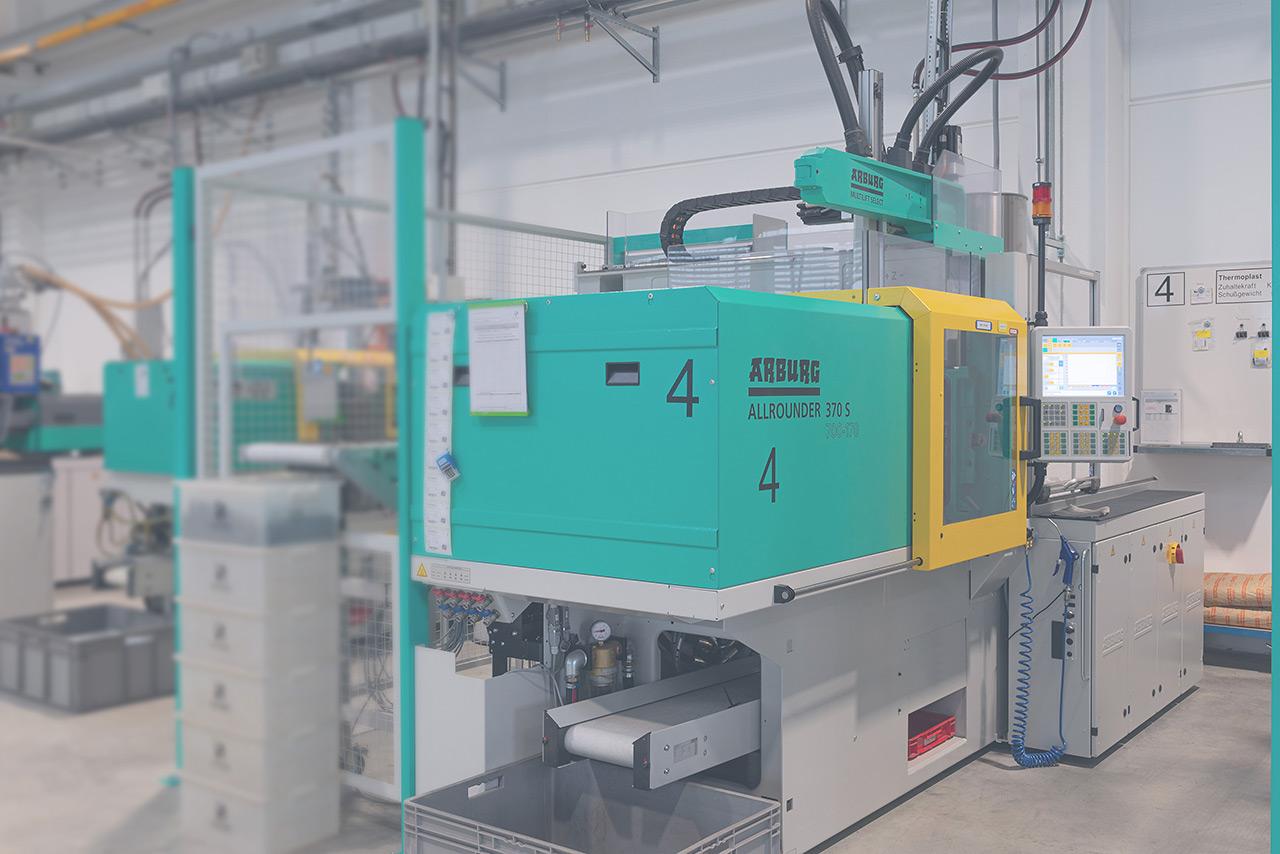 Heussinger Kunststoff Spritzgussmaschine Nr. 4